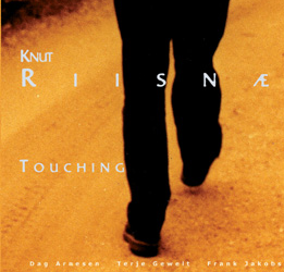 Knut Riisnæs – Touching